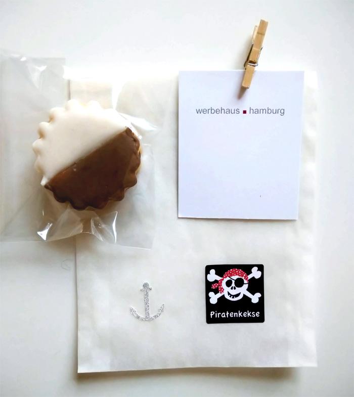 Pergamintüte Motiv Piratenkekse mit Holzklammer