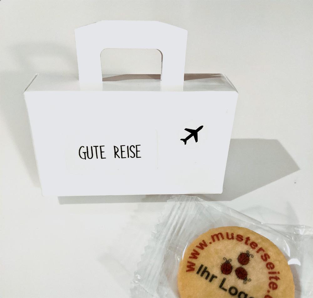 keksverpackung koffer mit bedruckten keksen